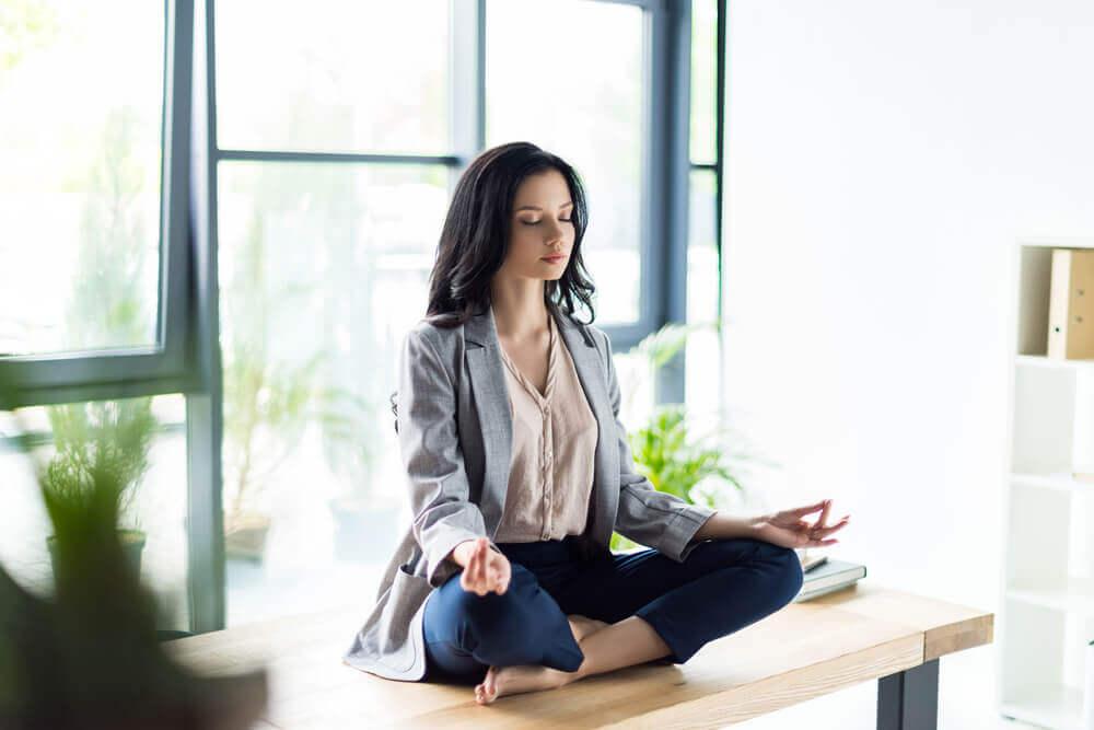 Meditare aiuta a essere produttivi in ufficio