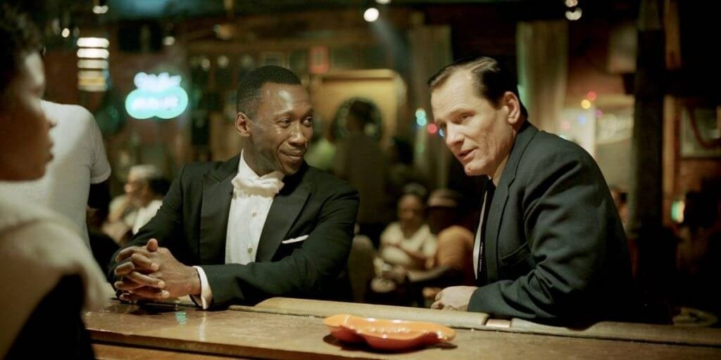 Green Book, Sam e Tony al bar
