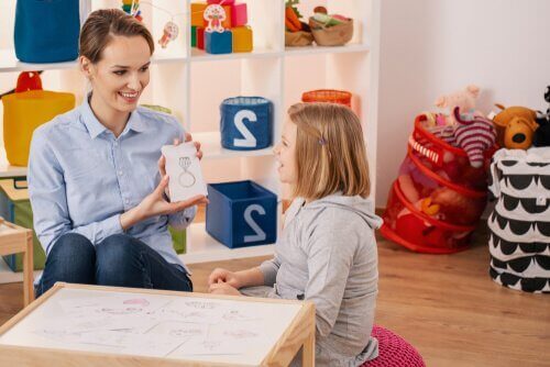 Psicologa con bambina