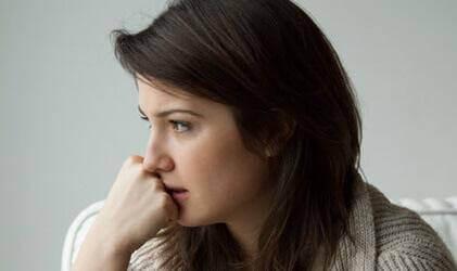 Donna con sentimento di ansia