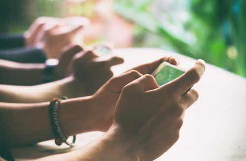 Detox digitale: disconnetterci per connetterci davvero