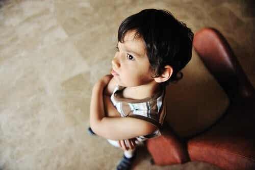 Il bambino simmetrico, un fenomeno inquietante
