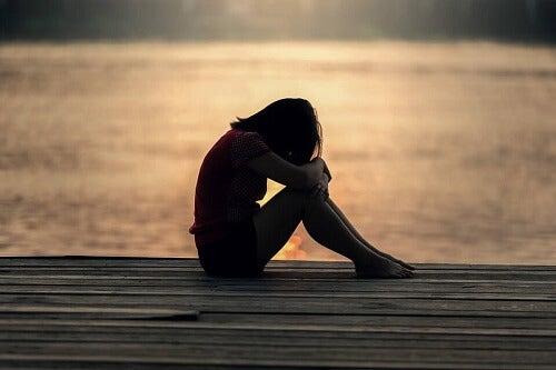Paura di restare soli: come affrontarla