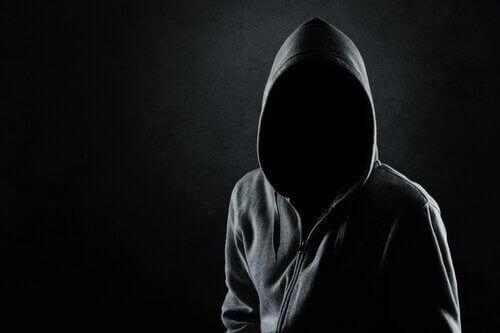 Un assassino senza volto