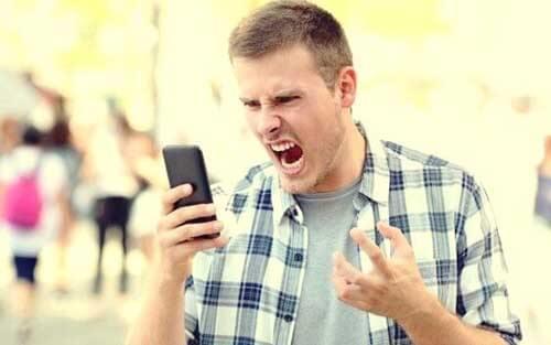 Scatti d'ira e capricci negli adulti