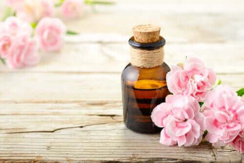 Boccetta di olio essenziale aromaterapia