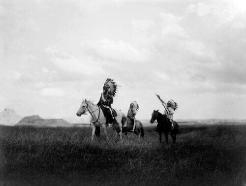 Indiani sioux a cavallo