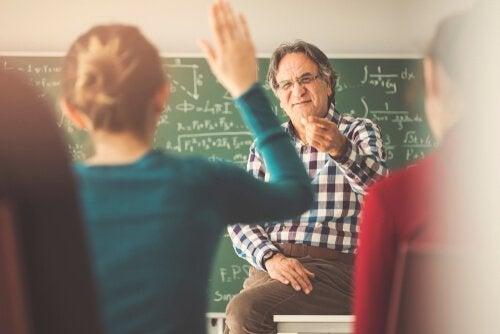 Insegnante e alunni