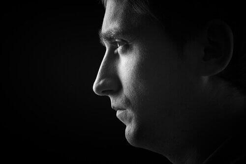 Profilo di uomo