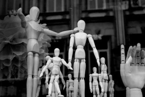 Statuette di legno in gruppo