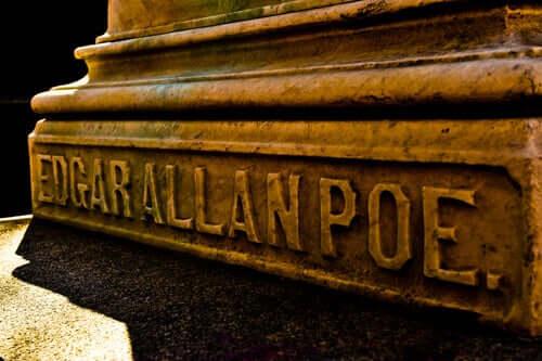 Bassorilievo con nome di Edgar Allan Poe