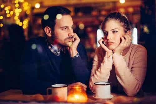 Provare noia nella coppia è normale?