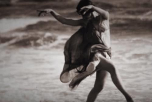 Isadora Duncan che balla