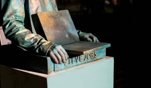 Steve jobs statua