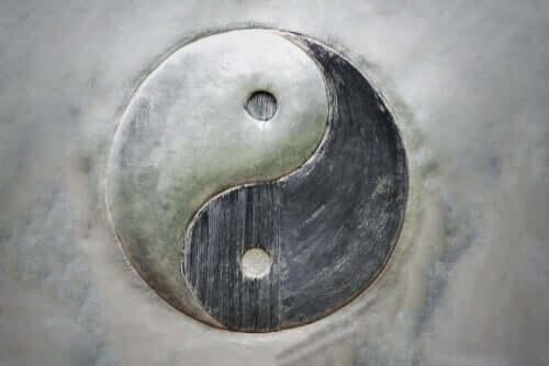 Yin e yang: il concetto di dualità dell'esistenza