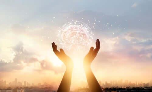 Mani con luce neuroscienza sociale e cultura