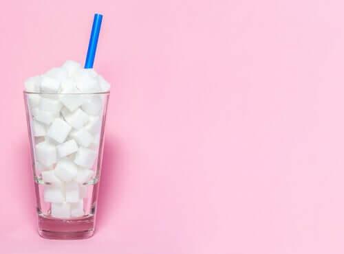 Un bicchiere di zucchero