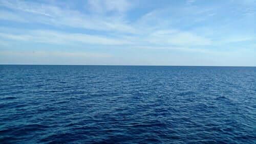 Mare e cielo azzurro