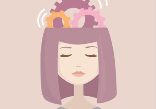 Donna con ingranaggi nella testa