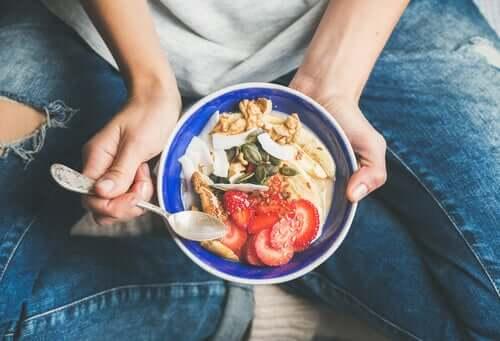 Alimentazione cosciente: il rapporto col cibo