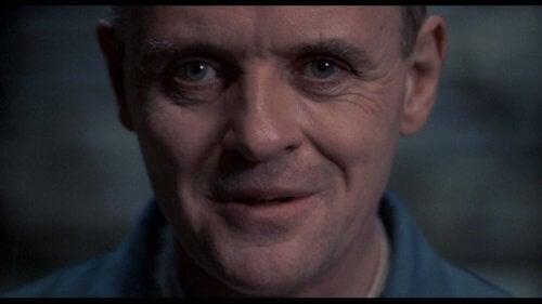 Hopkins che interpreta Hannibal lecter ne Il silenzio degli innocenti
