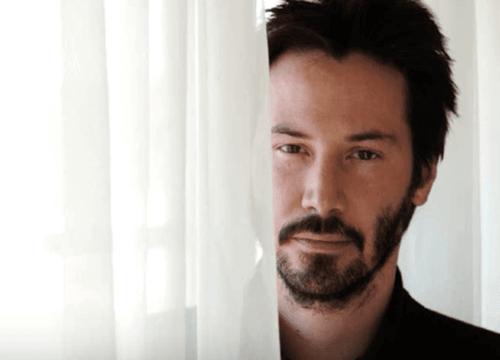 Keanu Reeves, biografia di una celebrità atipica
