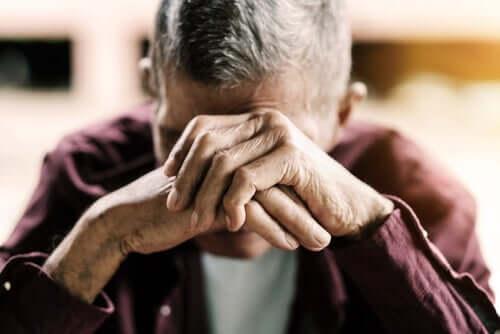 Sindrome del tramonto, un disturbo della vecchiaia