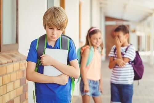 Denunciare gli abusi a scuola