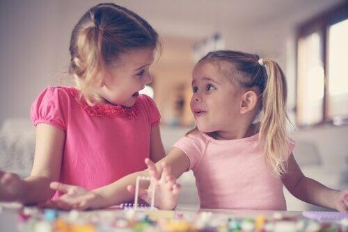 Lo sviluppo dell'empatia durante l'infanzia