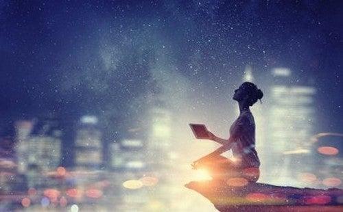 Fisica quantistica e spiritualità, secondo il Dalai Lama