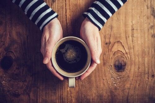 Effetti della caffeina sulle persone depresse