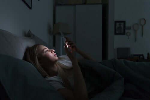 Dispositivi elettronici e disturbi del sonno