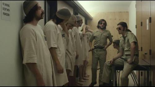 Il lato oscuro del potere e detenuti e carcerieri all'interno di una prigione