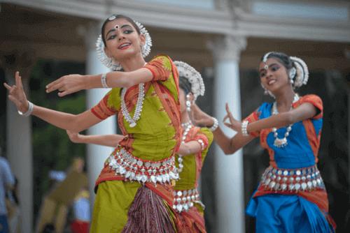 Ragazze indiane che ballano