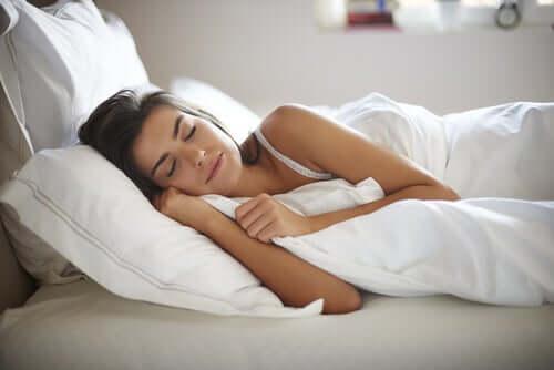 Il rumore bianco: ci aiuta a dormire meglio?