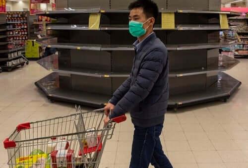 Psicosi da coronavirus e assalto ai supermercati: cosa dice la psicologia?