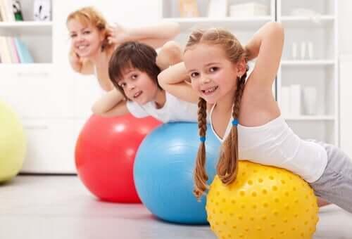 I vantaggi dello sport in casa per i bambini