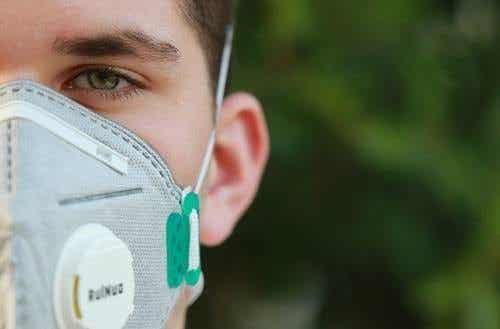 Il mondo attraverso una mascherina: impatto psicologico