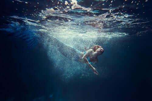 Sirena nel mare