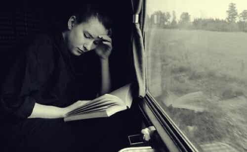 Leggere durante un viaggio, quali vantaggi?