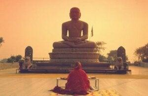 I precetti dell'etica buddista