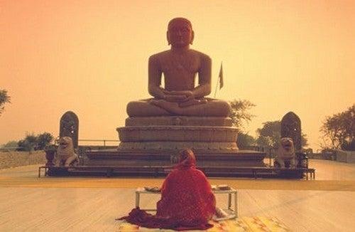 """I precetti dell""""etica buddista"""