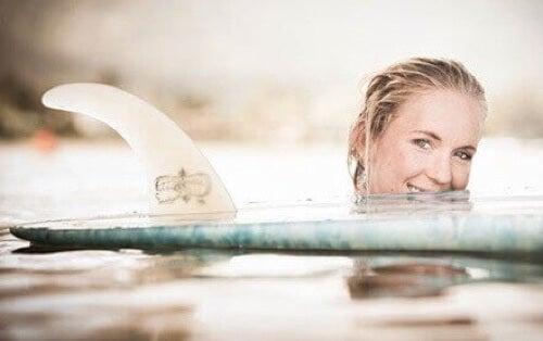 Bethany Hamilton e tavola da surf