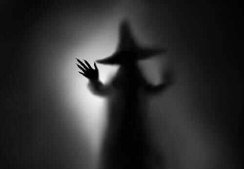 La strega nel buio