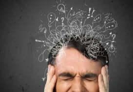 ADHD negli adulti, uomo si sforza di pensare