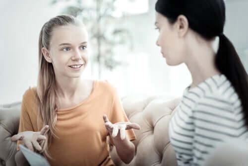 Adolescente che usa il modello Maudsley per combattere l'anoressia.