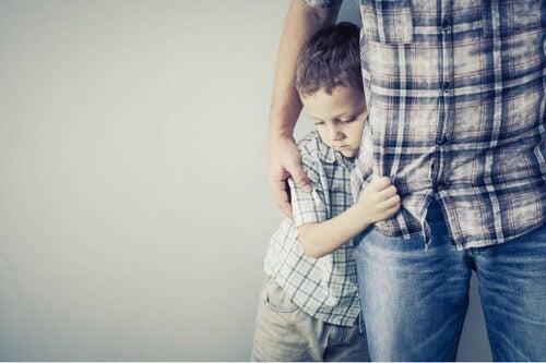 Il bambino ha paura: come aiutarlo?