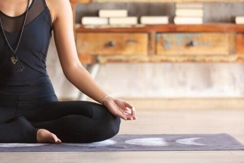 Meditare a casa con 3 esercizi