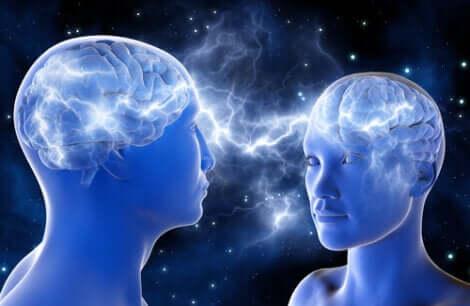 Due persone con cervello in connessione.