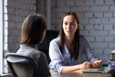 Colloquio di lavoro tra donne.